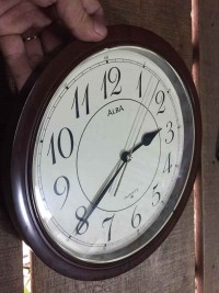 Đồng hồ treo tường Alba máy Nhật