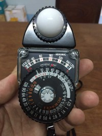 Thiết bị đo ánh sáng Sekonic